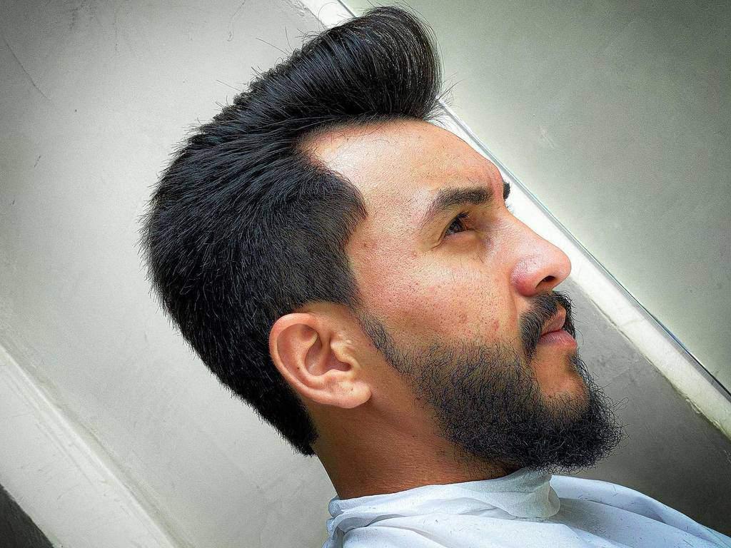 Messy Undercut With Pompadour barberhuggo