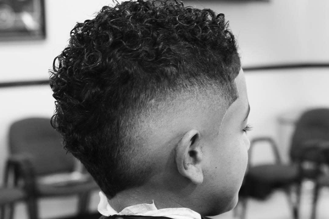 Mid Fades for Wavy Hair barbersloungeoforlando