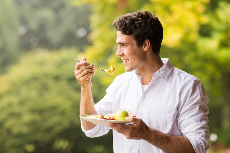 Mindful-Eating-Weight-Loss-Tips-For-Men