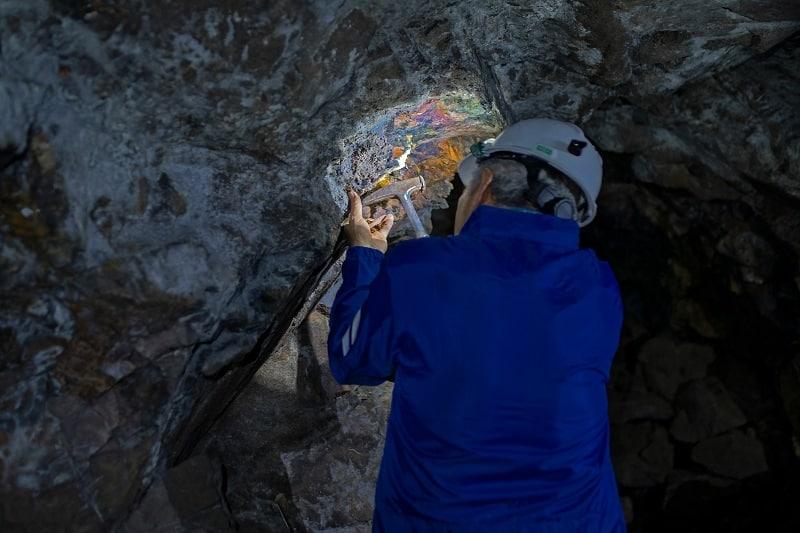Mineralogist - Best Outdoor Jobs For Outdoorsmen