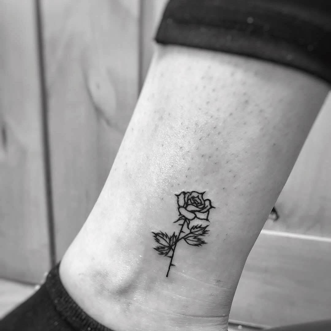 Minimalist Flower Ankle Tattoo yuantattoodesign