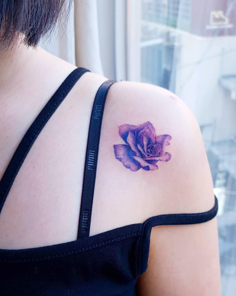 Minimalist Flower Shoulder Tattoo maeil_tattoo