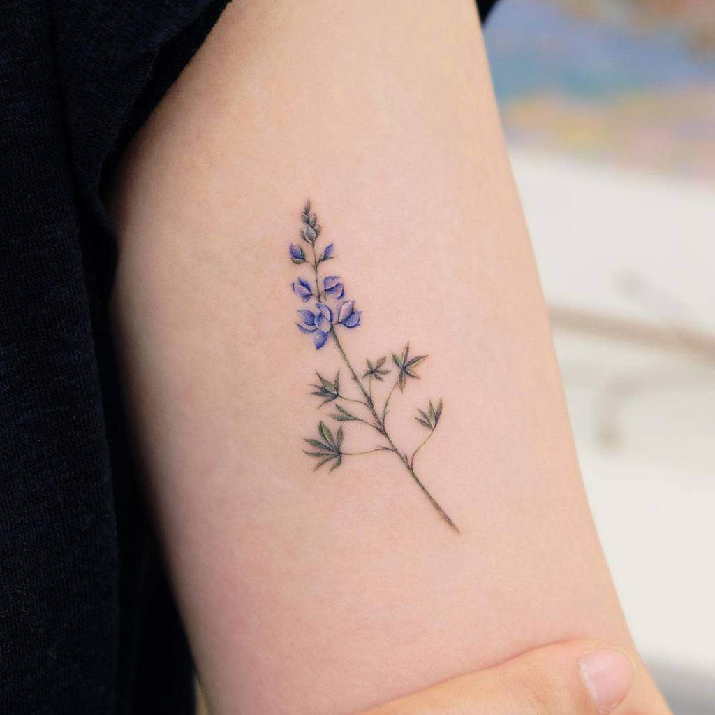 Minimalist Flower Upperarm Tattoo siyeon_tattoo