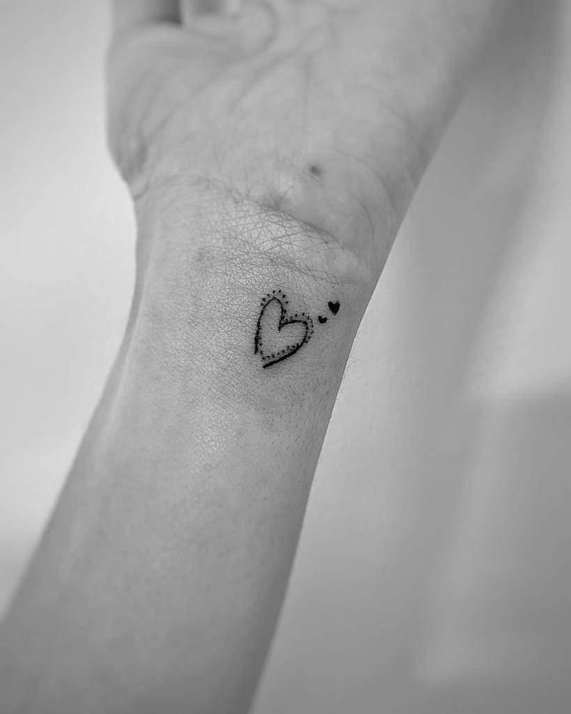 Minimalist Heart Tattoo Ofridrror
