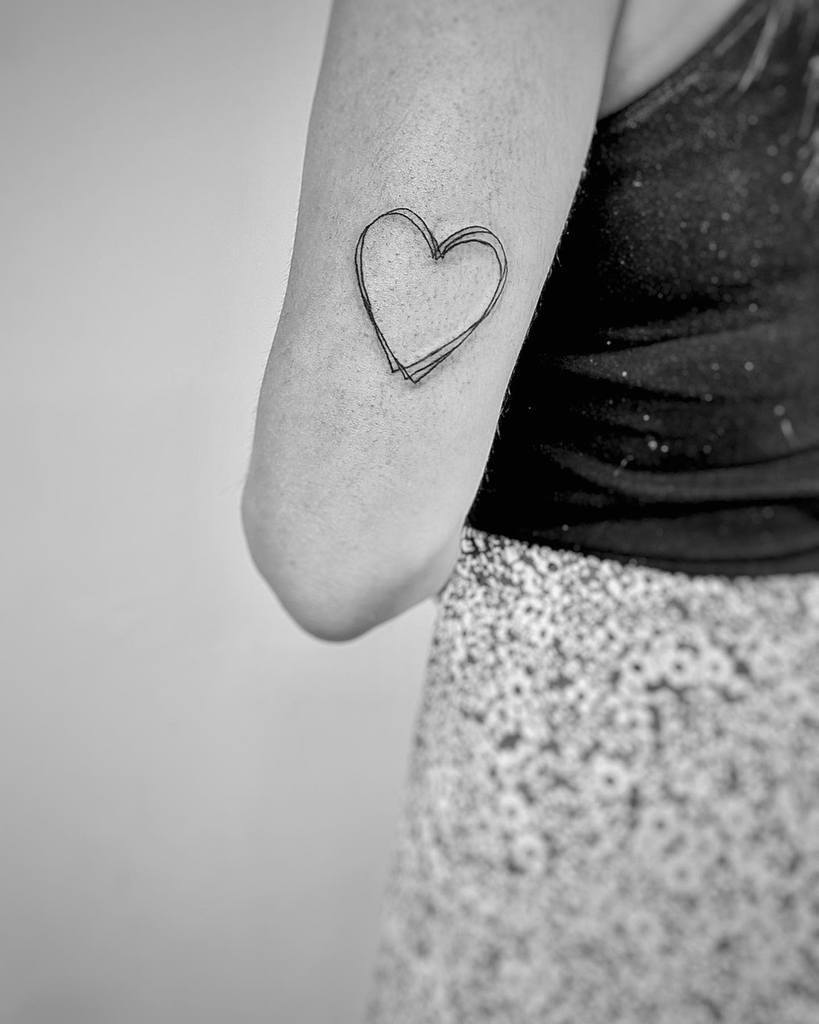 Minimalist Heart Tattoo Ofridrror2