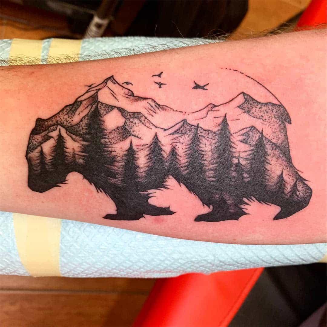 Mountain Black Bear Tattoo italian_inkster