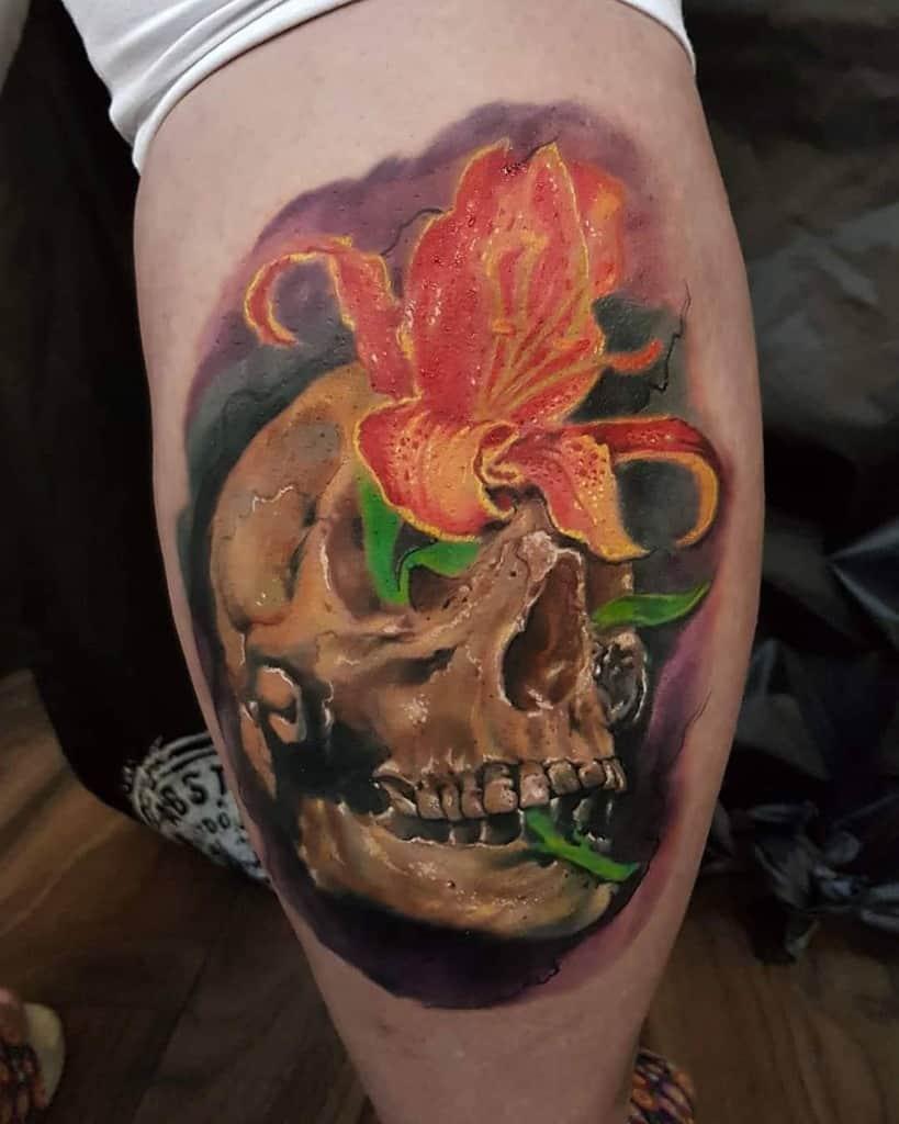 Neo Traditional Lily Tattoo Laszlohrozik