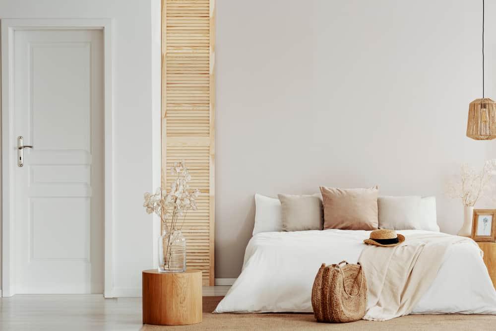 The 60+ Best Minimalist Bedroom Ideas - Interior Design ... on Neutral Minimalist Bedroom Ideas  id=95912
