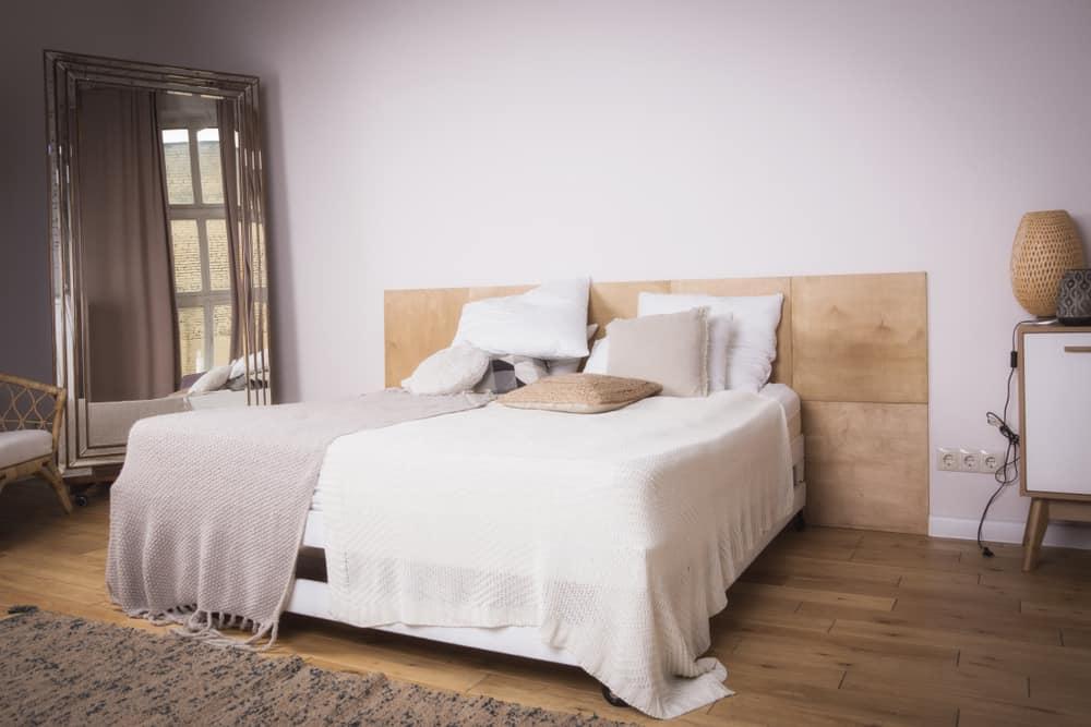 The 60+ Best Minimalist Bedroom Ideas - Interior Design ... on Neutral Minimalist Bedroom Ideas  id=46849