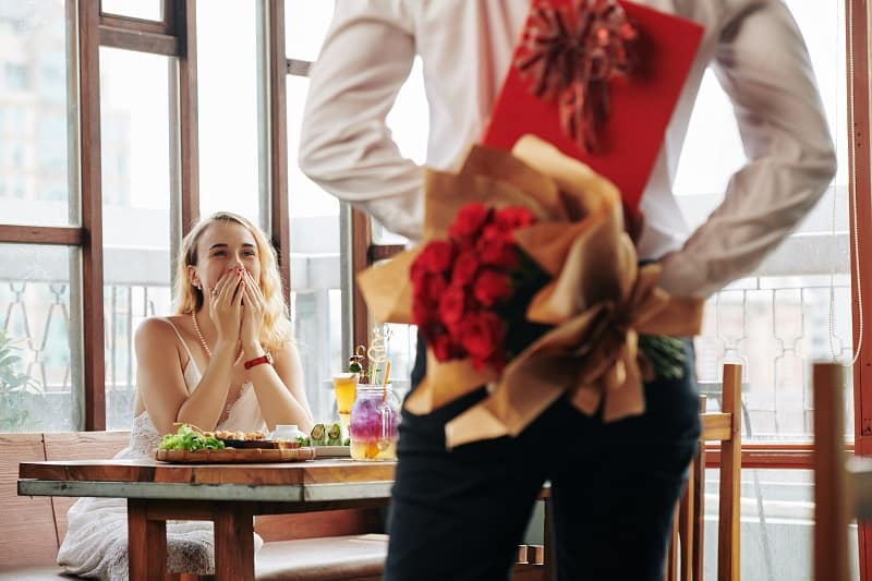 On-romance-New-Years-Resolution-Ideas-For-Men