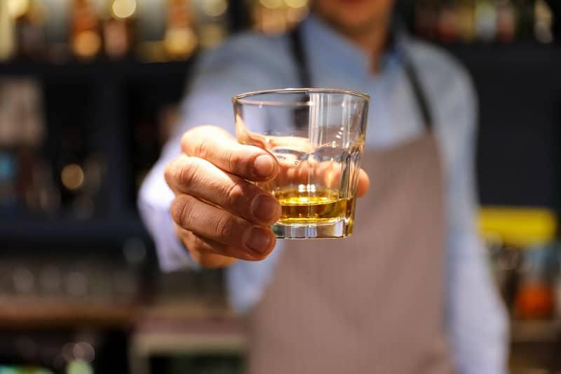 Sonstige-Erwägungen-bei-Verwendung-von-Whisky-Steinen-oder-Eis