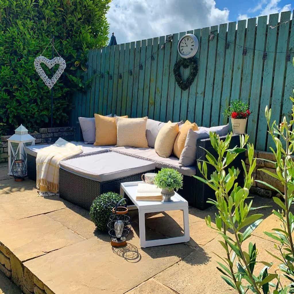 Outdoor Deck Decorating Ideas -edge_of_barley