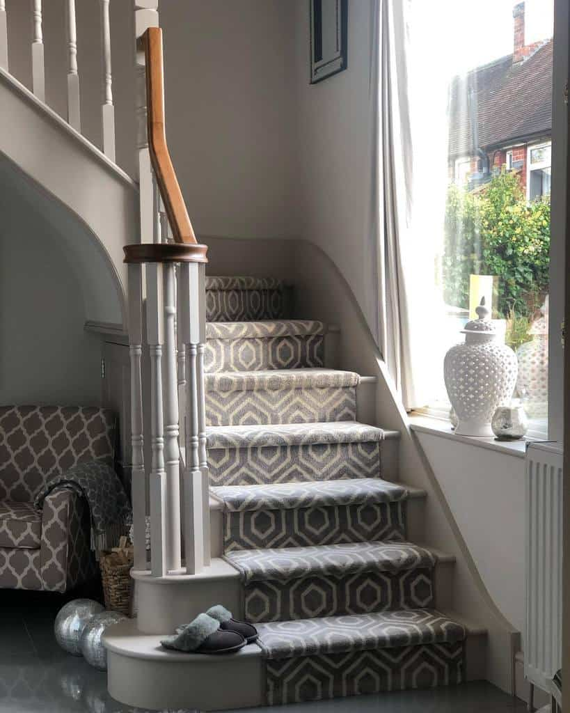 Patterned Stair Runner Ideas -maximumhomeinterior