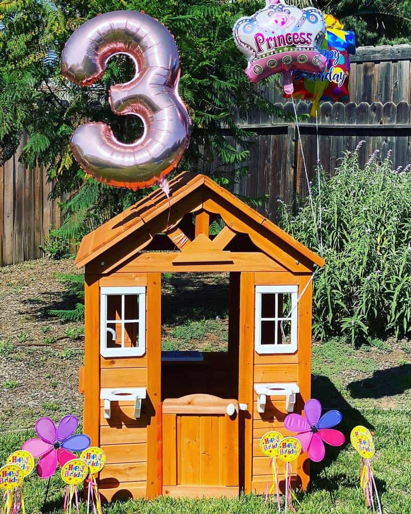 Playhouse DIY Backyard Ideas -twinningandmommying