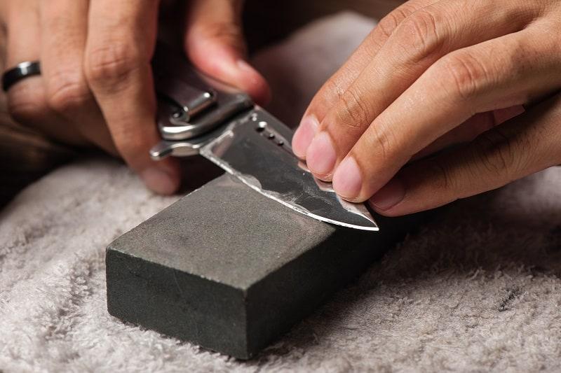 Pocket-Knife-Blade-Edge