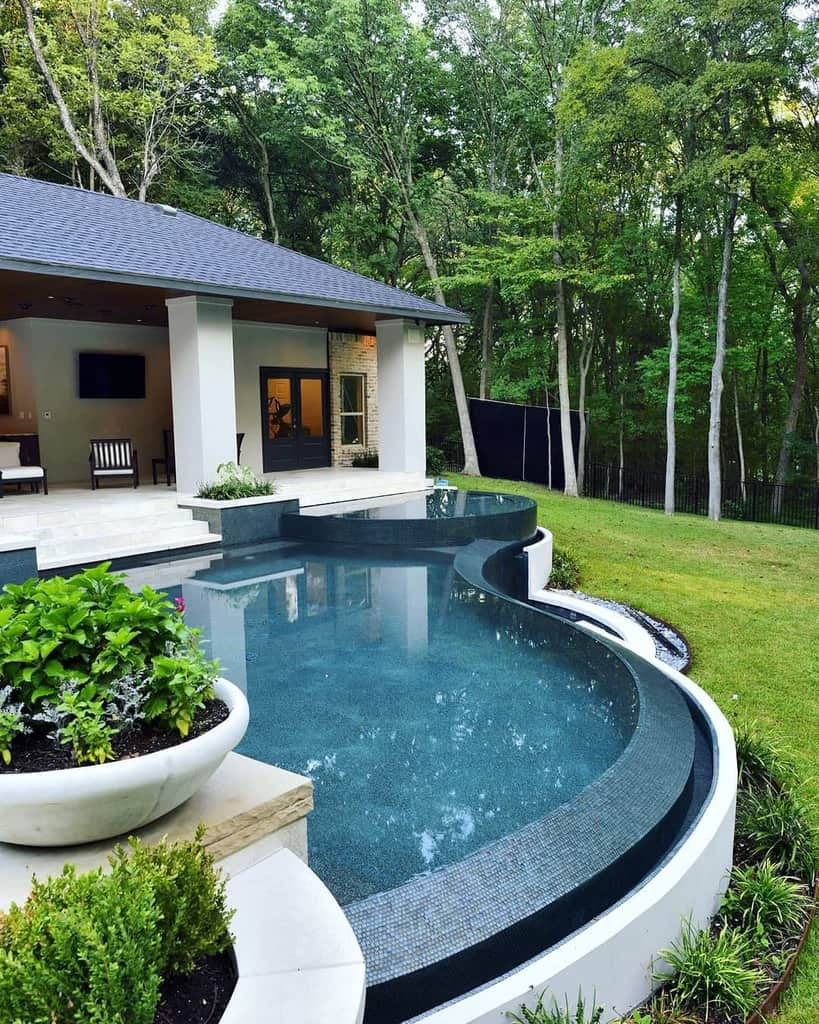 Pool Deck Decorating Ideas -michaelnantz