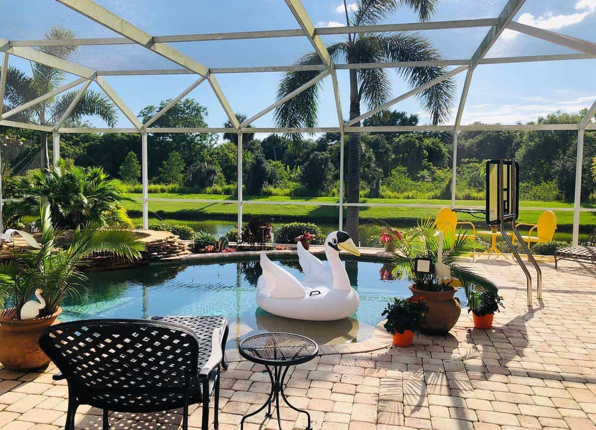 Pool Patio Enclosure Ideas -onthemapwithmarisa