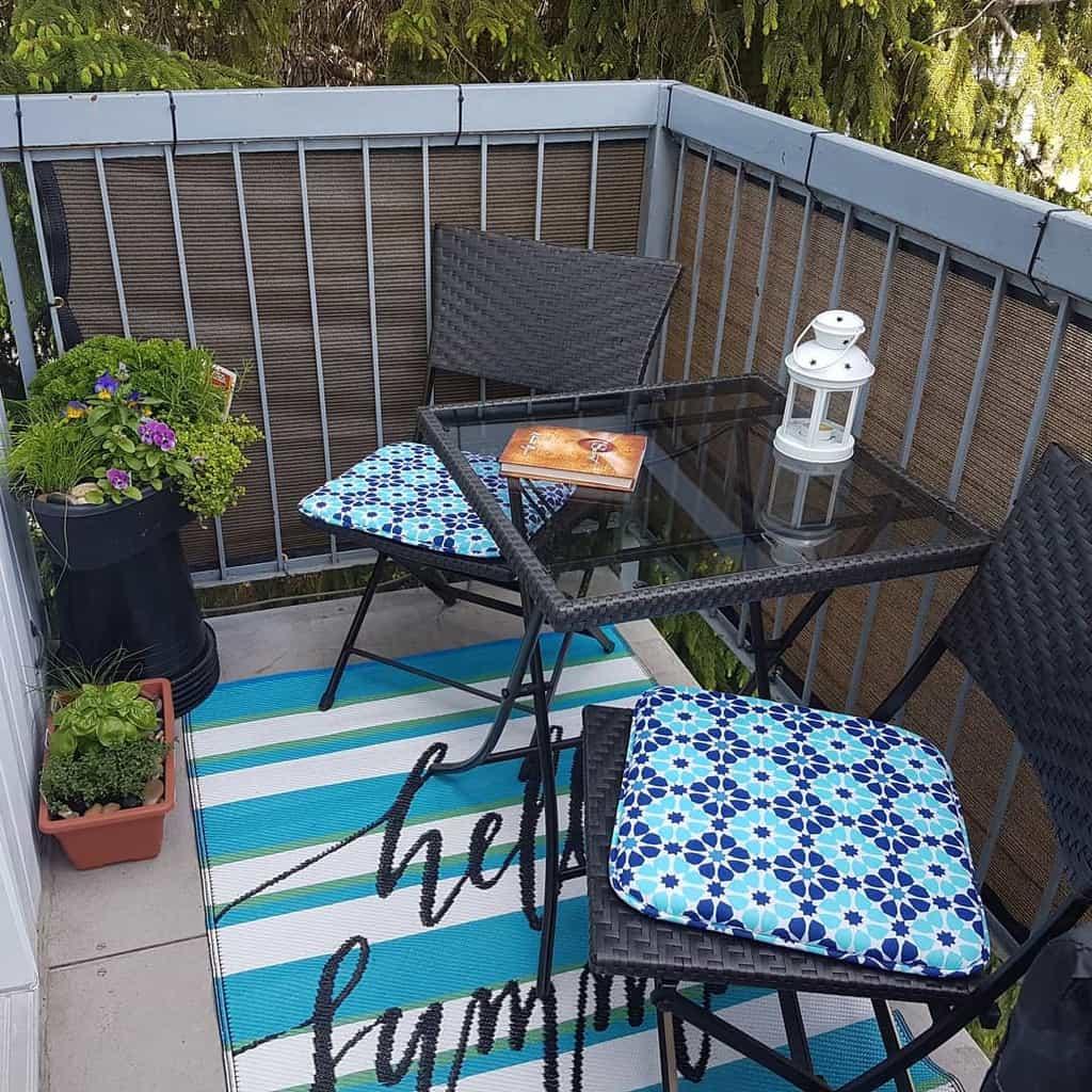 Porch Deck Privacy Ideas -marcella_livingmybestme