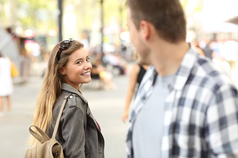 Practice-Talking-To-Strangers-Before-On-First-Date