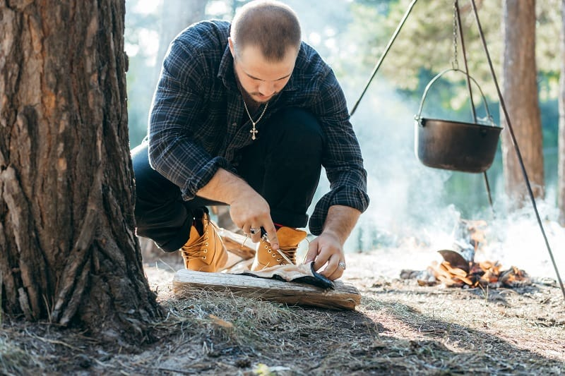 Prep-Food-Far-From-Your-Shelter-Tactics-And-Techniques-To-Master-Wilderness-Survival