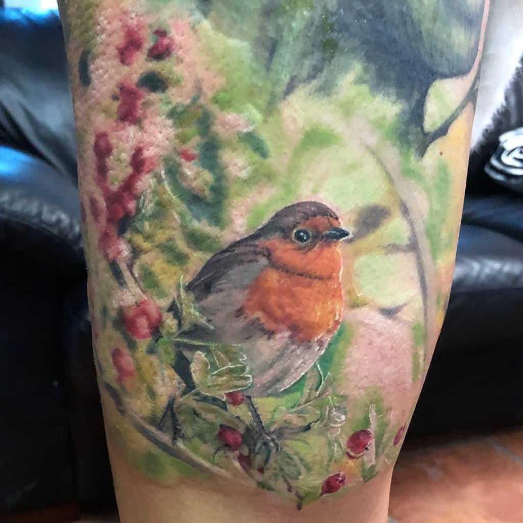 Realistic Robin Tattoo Munkaspeni