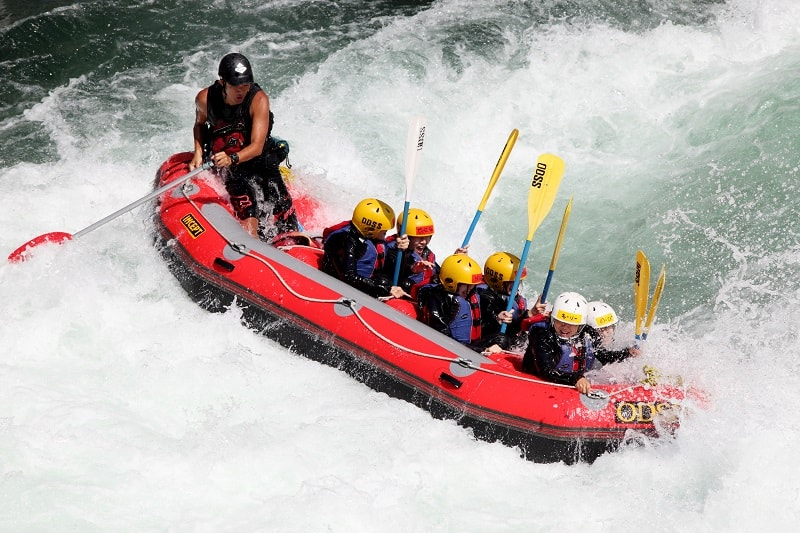 River Rafting Guide - Outdoor Jobs For Outdoorsmen