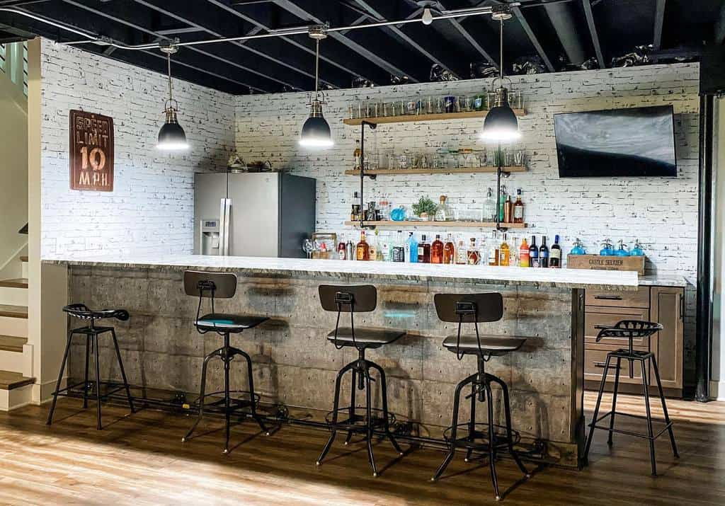Rustic Basement Bar Ideas thechippydragonfly