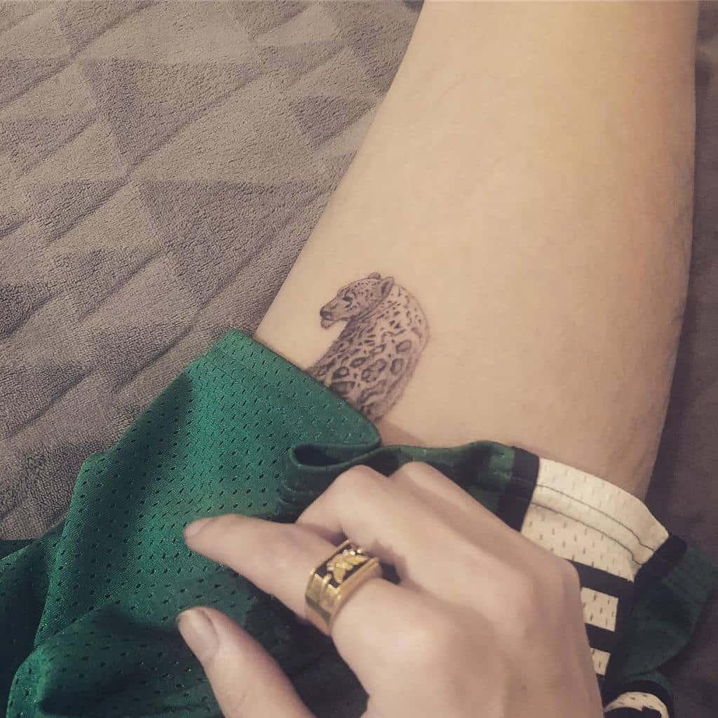 stippling-art-dotwork-single-needle-tattoo-professorcalm