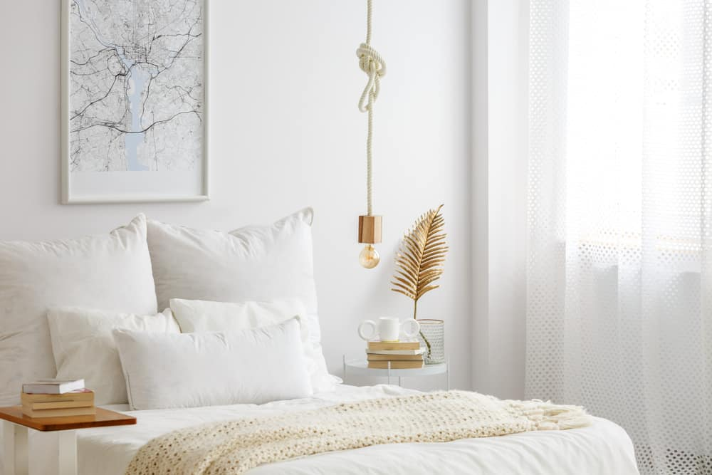 white cozy bedroom ideas