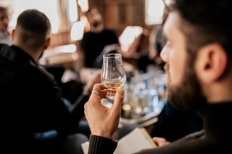 Scotch-Tasting-Hobbies-For-Men