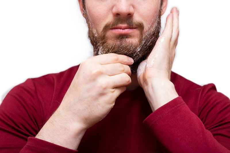 Shampooing-and-Conditioning-Tips-On-How-To-Soften-A-Beard