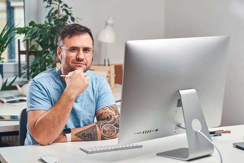 Should Employees Be Allowed To Openly Wear Tattoos In The Workplace - Should Tattoos Be Allowed In The Workplace