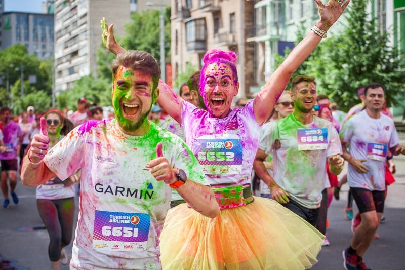 Sign-Up-for-a-Color-Run-Event-Together-To-Keep-The-Romance-Alive