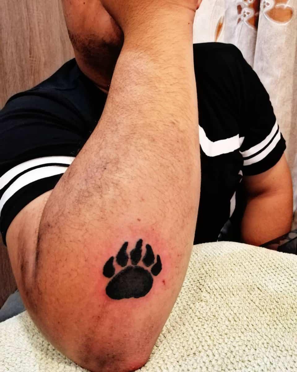 Simple Bear Paw Tattoo cyrusprwee