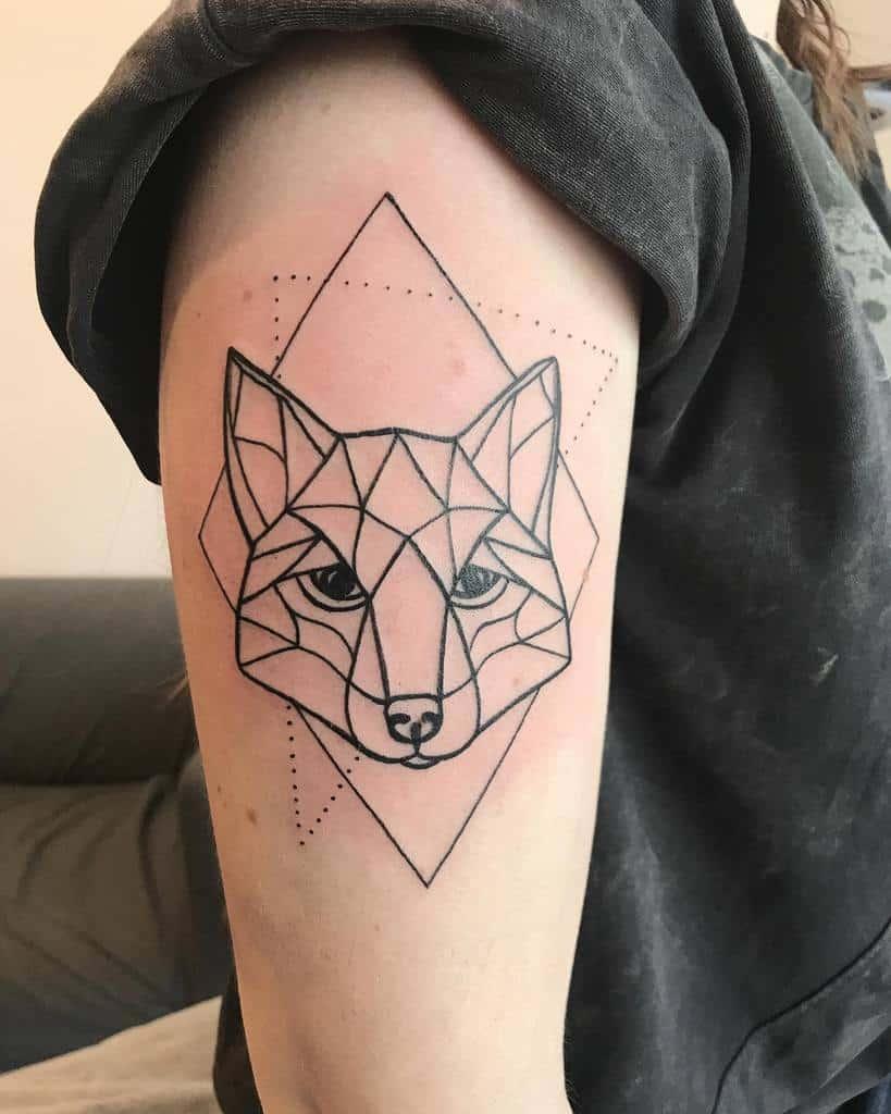 Simple Geometric Fox Tattoo iri__tattooing