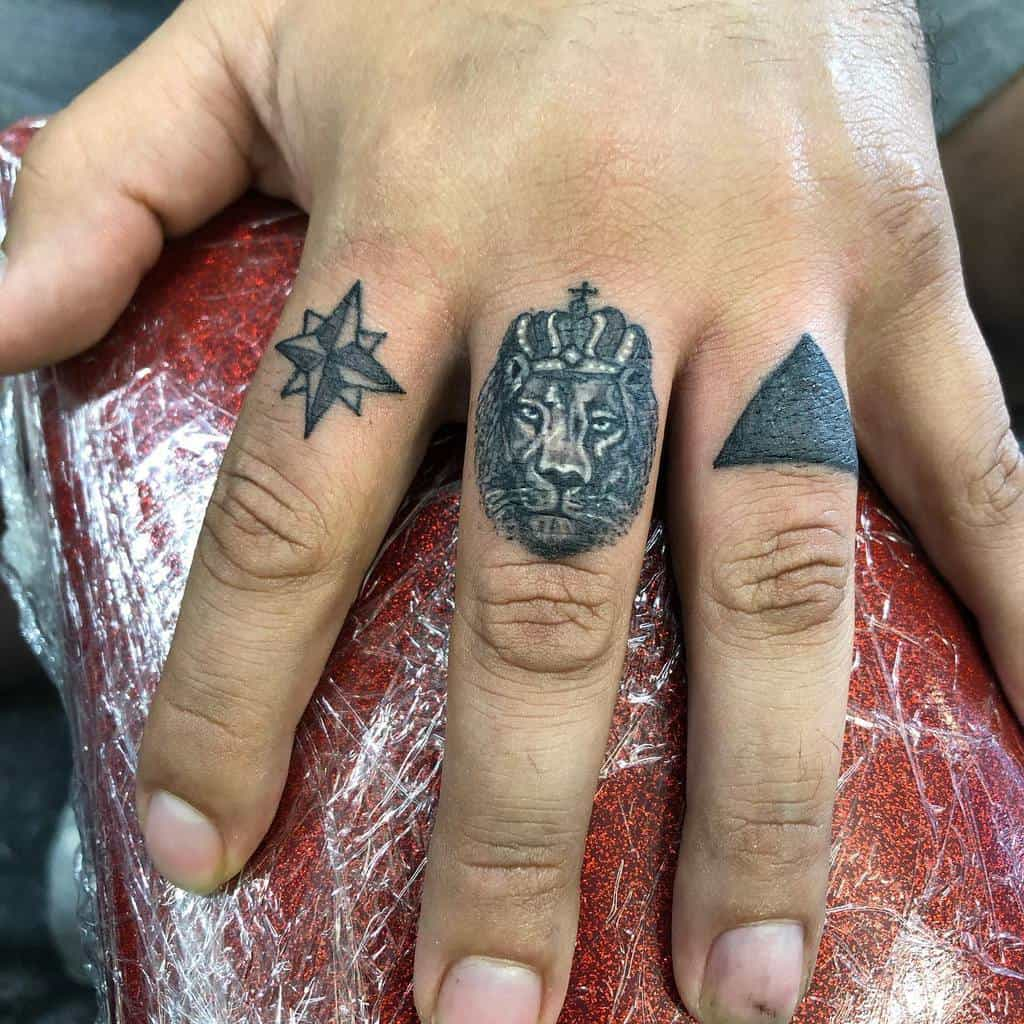Simple Lion Tattoo for Men tattooshane37