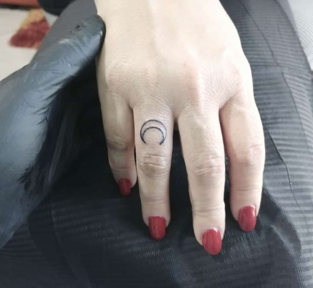Simple Small Finger Tattoos mix_tattoo_piercing