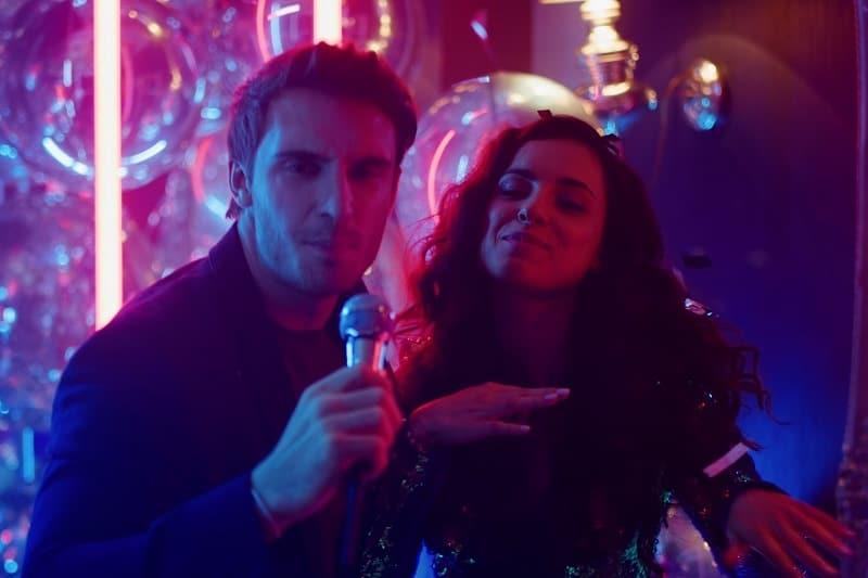 Sing-Karaoke-Valentines-Day-Date-Ideas