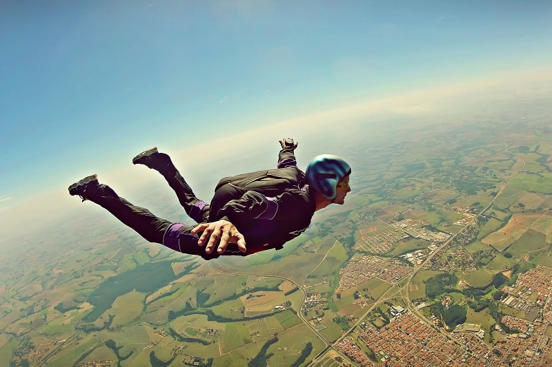Skydiving-Extreme-Sports-Ever-Man-Needs-to-Experience