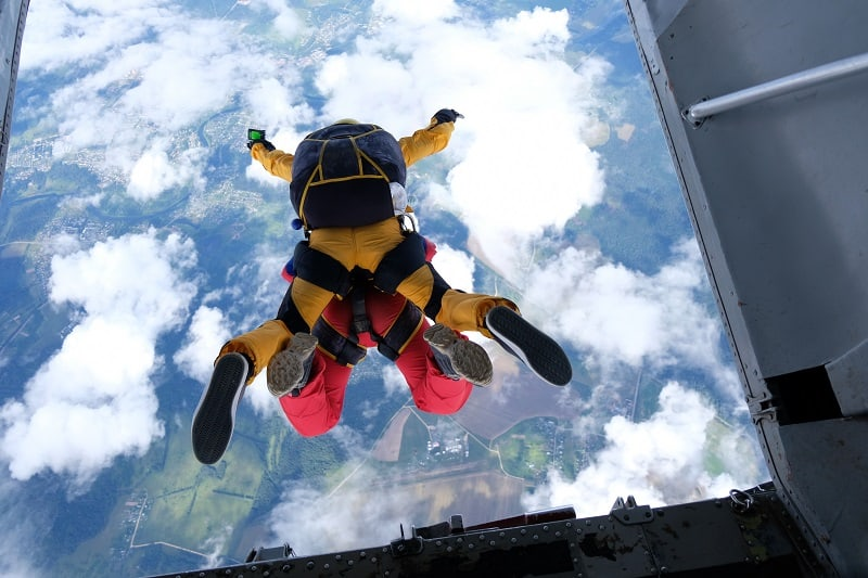 Skydiving Instructor - Outdoor Jobs For Outdoorsmen