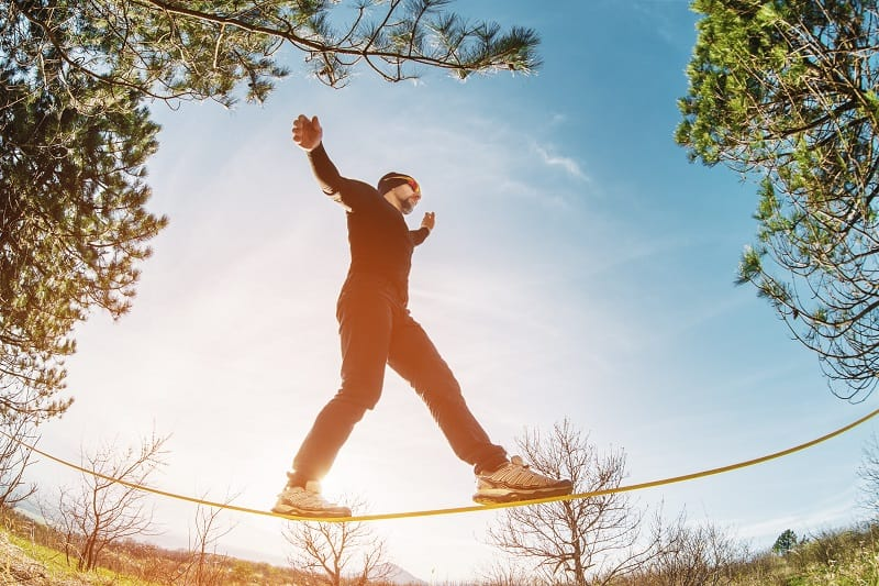 Slacklining-Extreme-Sports-Ever-Man-Needs-to-Experience