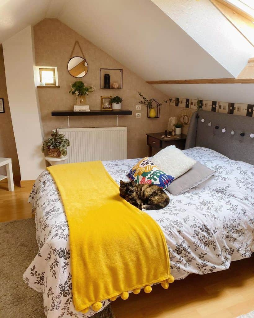 Small Attic Bedroom Ideas Sissymbrium
