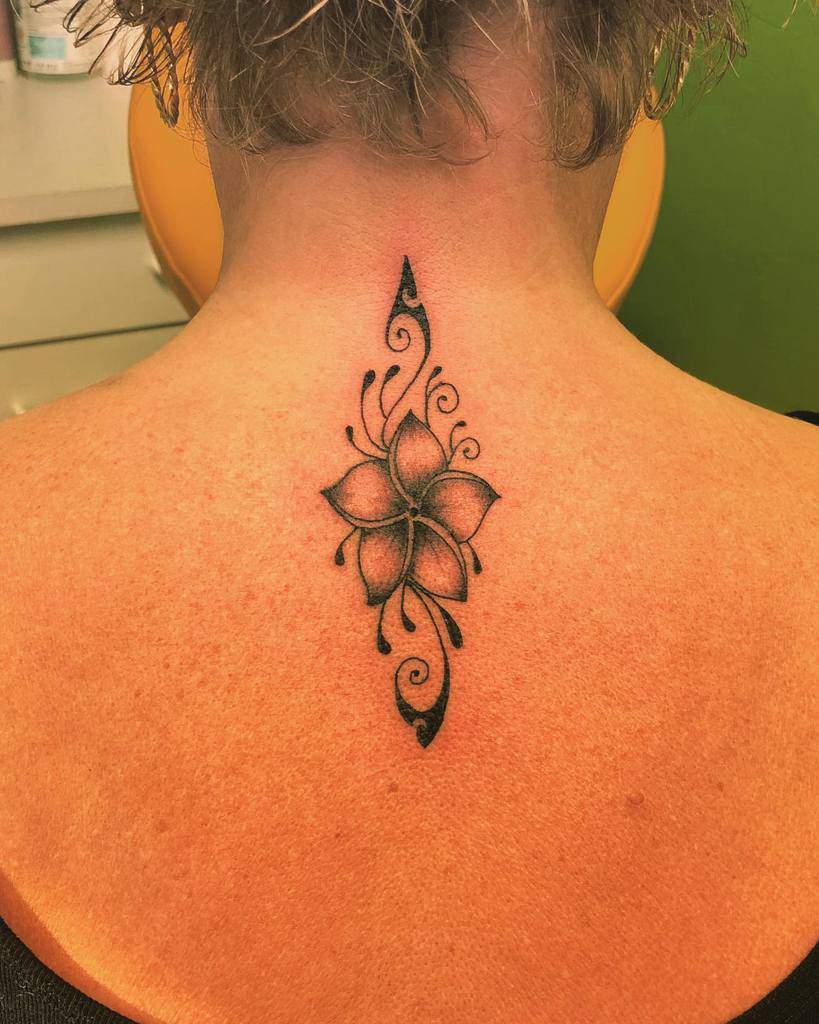 Top 20 Small Tattoos for Women Ideas   [20 Inspiration Guide]