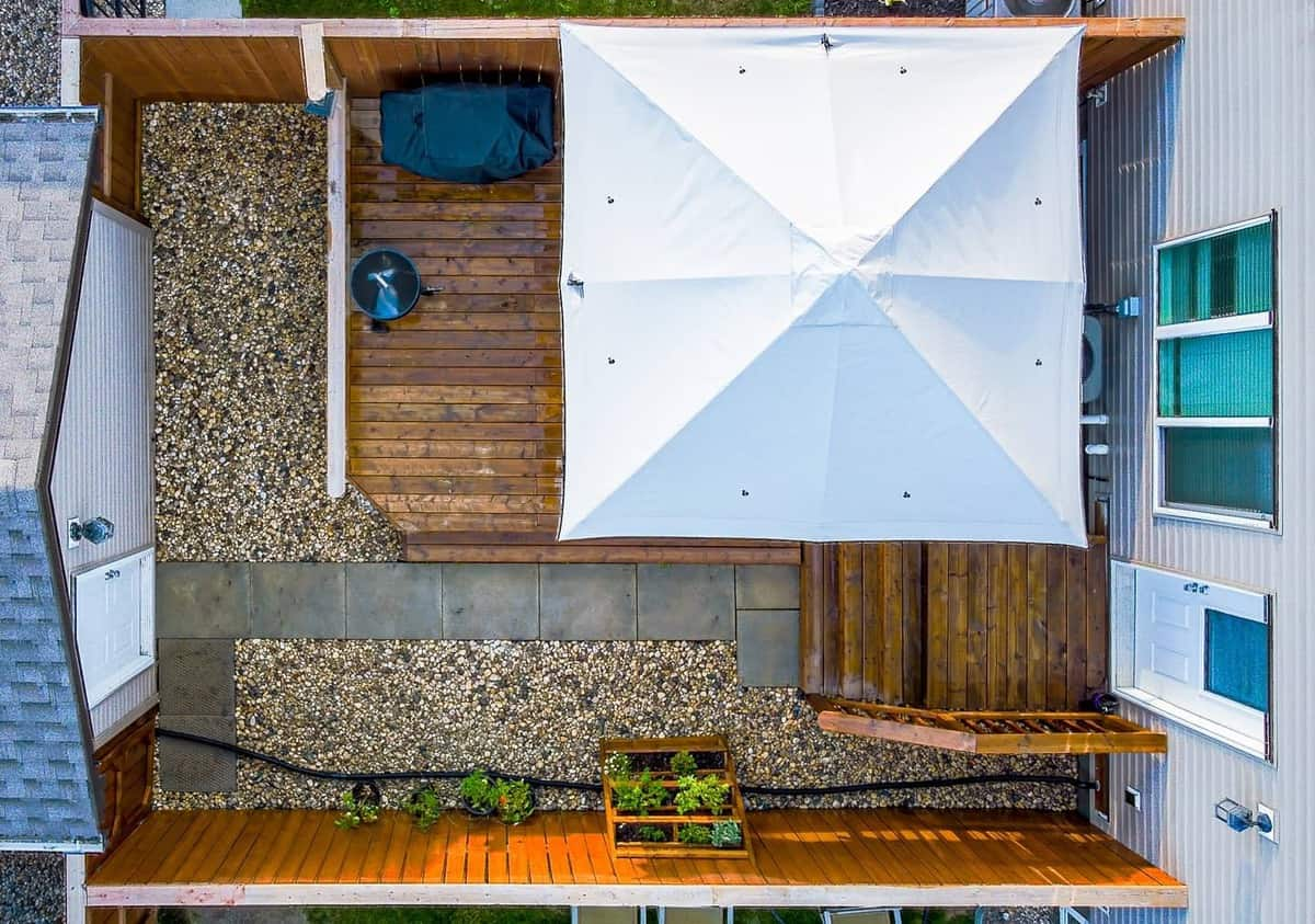 Small Backyard Grass Free Yard Ideas -vlad.kuznetsov.wpg