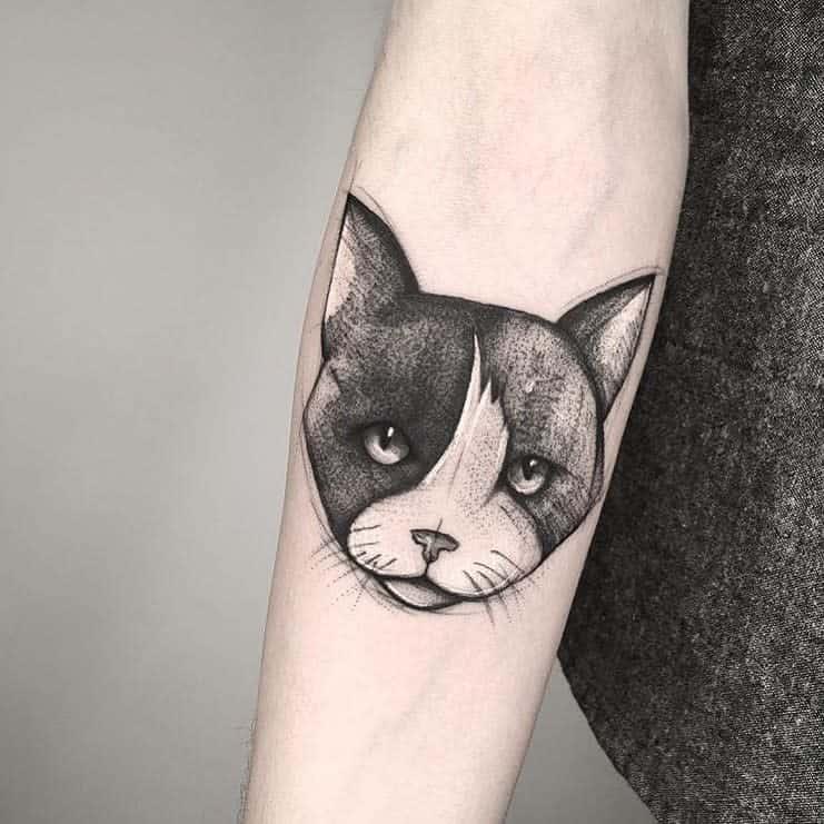 Small Black Cat Tattoos nabestiaccia