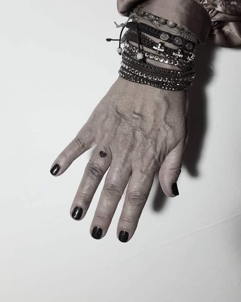 Small Black Heart Tattoos Xbcklbltx