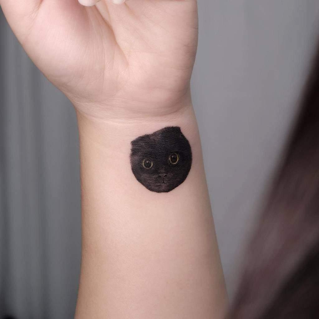 Small Cat Wrist Tattoos naro.tatt