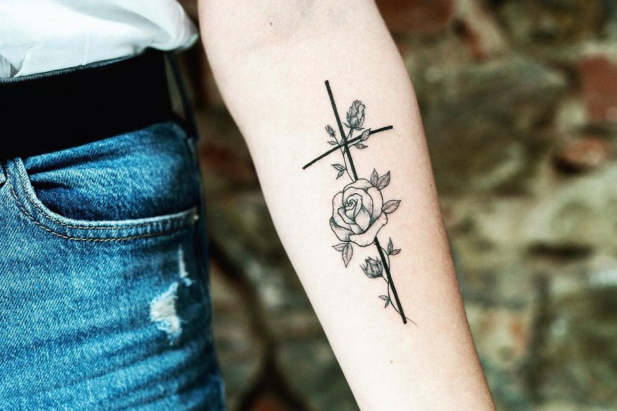 Top 69 Best Small Cross Tattoo Ideas – [2021 Inspiration Guide]