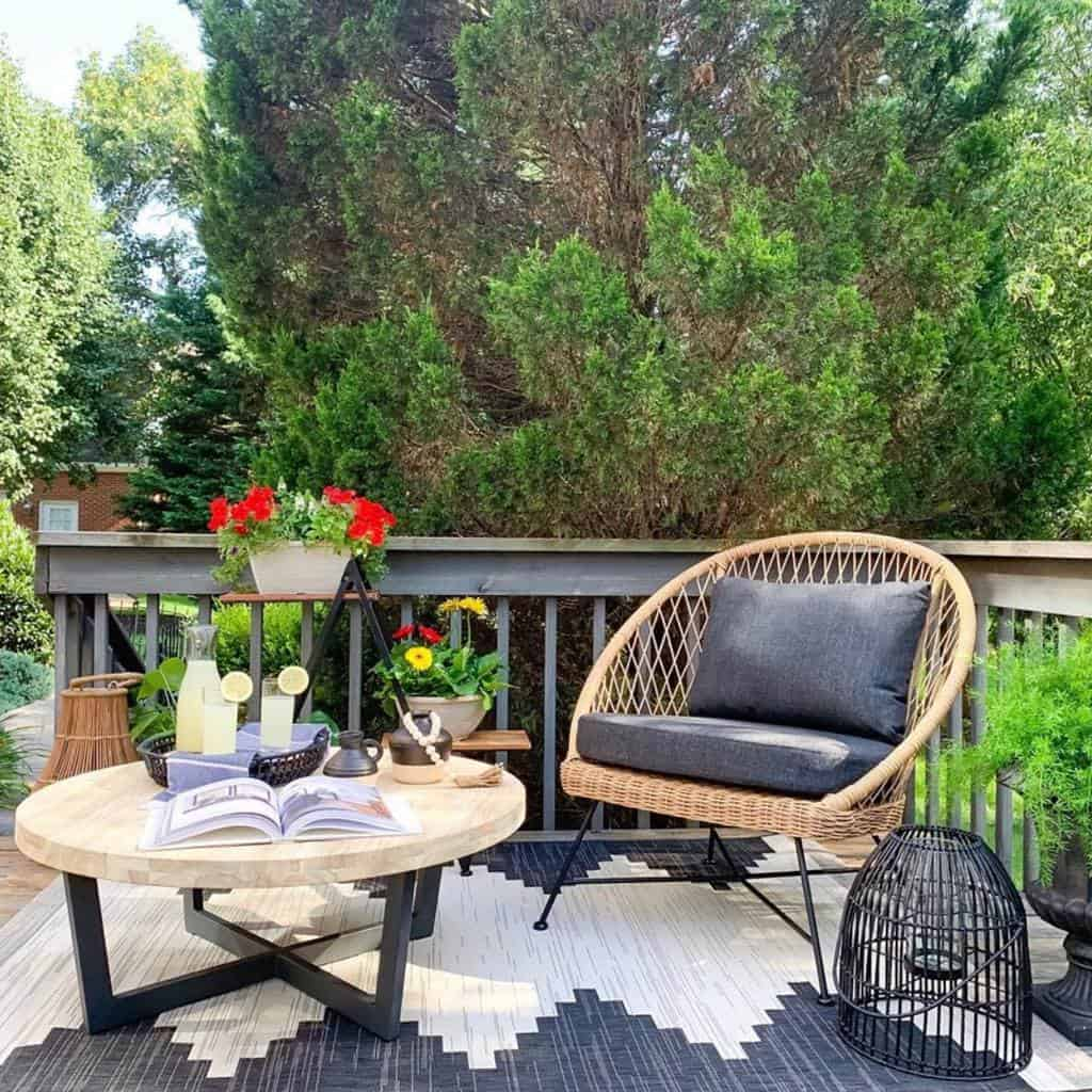 Small Deck Decorating Ideas -pollies_place