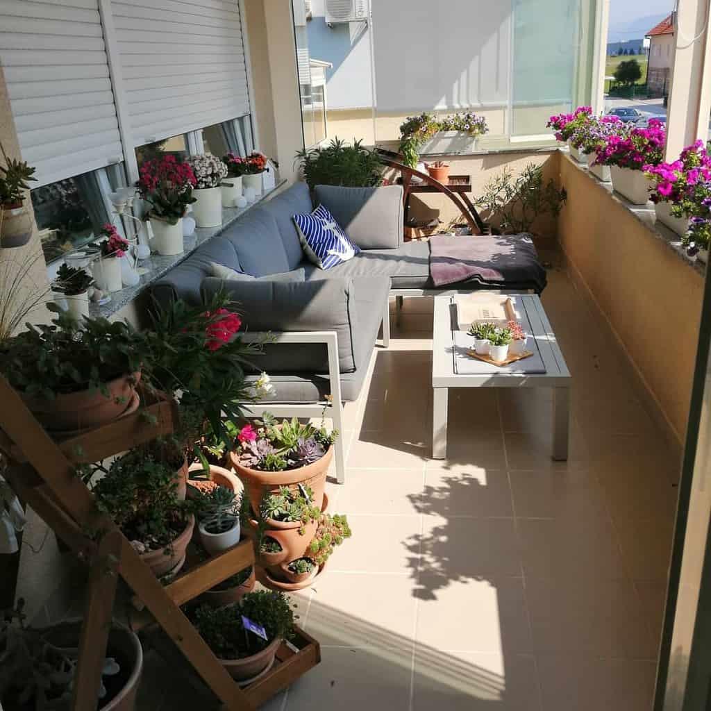 Small Deck Decorating Ideas -sabina_1505